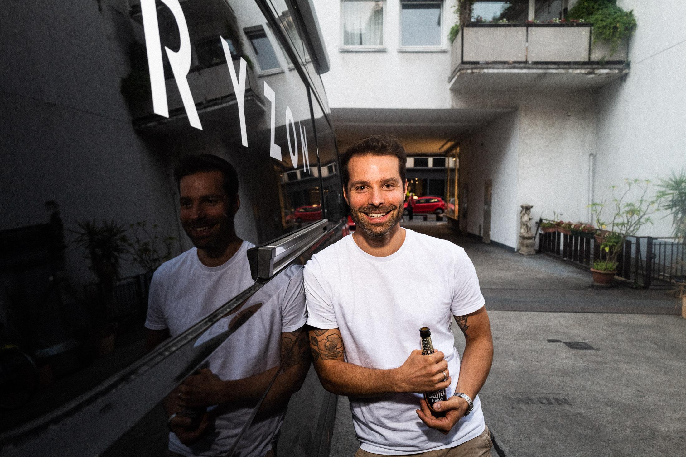 Auf ein Kölsch mit Fabian Jung von Ryzon im Belgischen Viertel